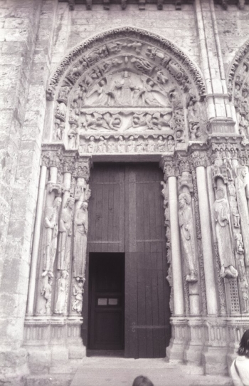 Chartres West porch, left portal || Source - Jeff Drouin, 6 July 2004